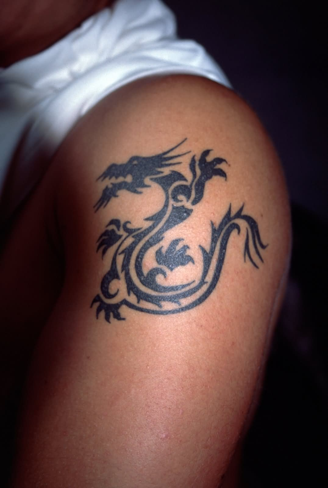 Considering This One On My Back Dragon Tattoo Shoulder Shoulder Tattoos For Women Dragon Tattoo Designs