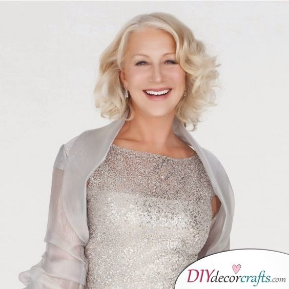 Simple Long Hair Wedding Style For Mother Of Groom In Her 60 S: Awesome Hairstyles For The