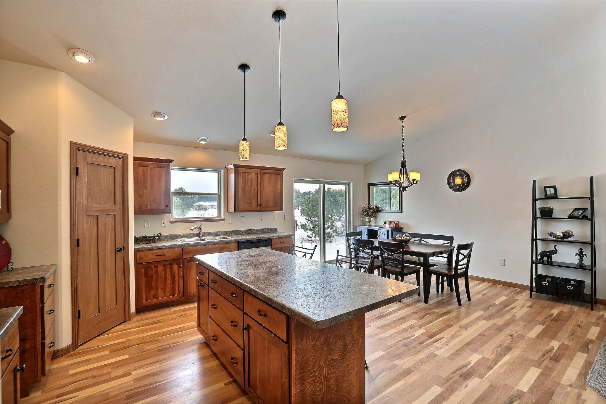 Fc26 Orchid Ii Floor Plan Pionite Louise Countertops Cf 116 Heritage Stained Cabinets Wi Blonde Laminate Flooring Staining Cabinets Maple Laminate Flooring