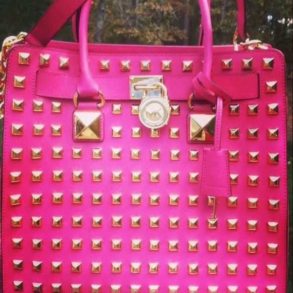 436ddf857829 Michael Kors Handbags - Michael Kors Pink studded Hamilton purse ...