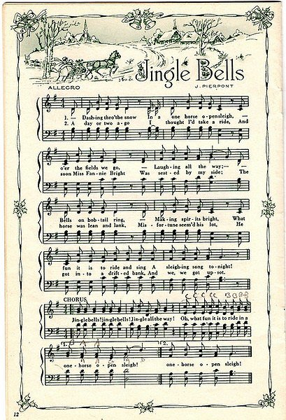 Upcycled Sheet Music Crafts #vintagesheetmusic