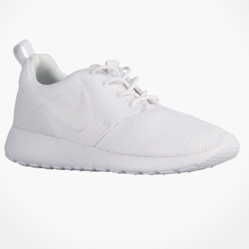 White nike shoes, White nike roshe