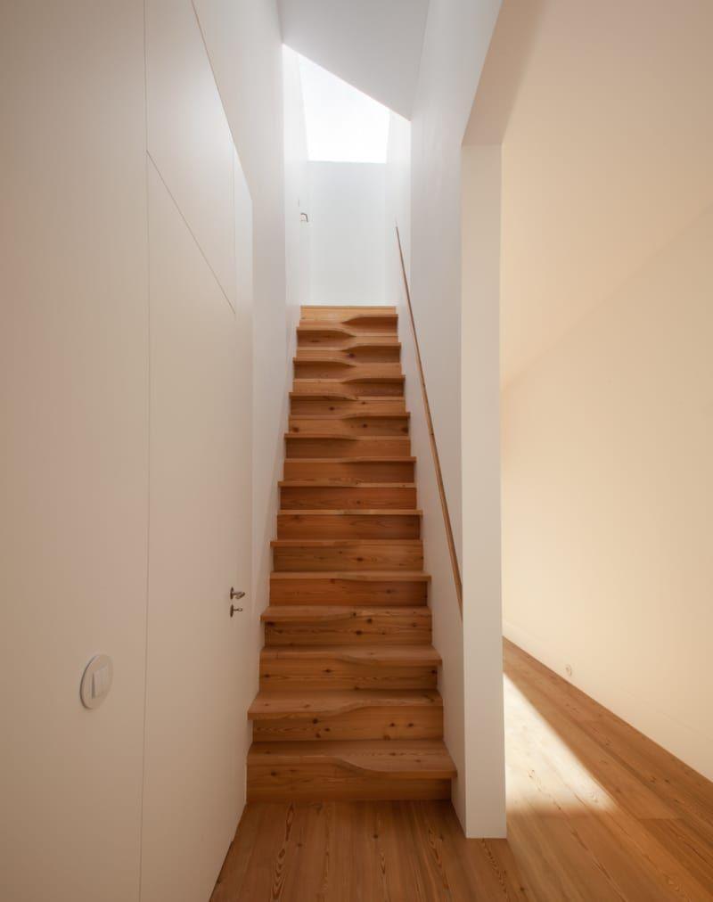 Petit Escalier En Bois. João Paulo Loureiro, Inês Du0027Orey · CASA DRAGÃO  #pasjaponais #escalier #bois