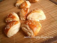 .. z lásky k vareniu ...: Slané smotanové trojuholníky so slaninkou