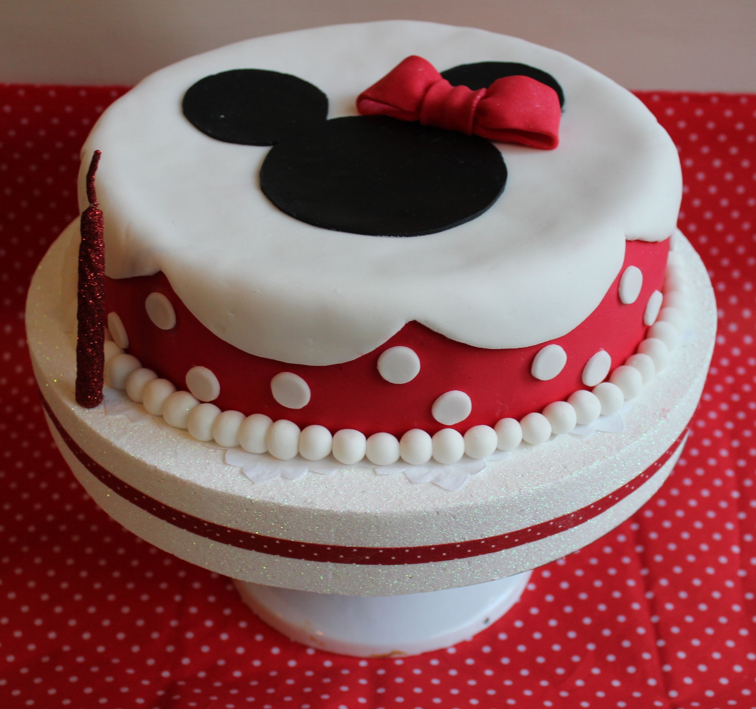 Gateau minnie gateau minnie pinterest gateau minnie gateau anniversaire et gateau fete - Gateau mickey facile ...