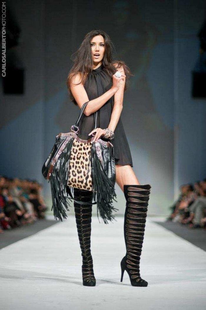 Me gusta demasiado... Diseñadora/Designer: Jimena Mujica - Lif Week, Fashion Week Lima  - Perú.