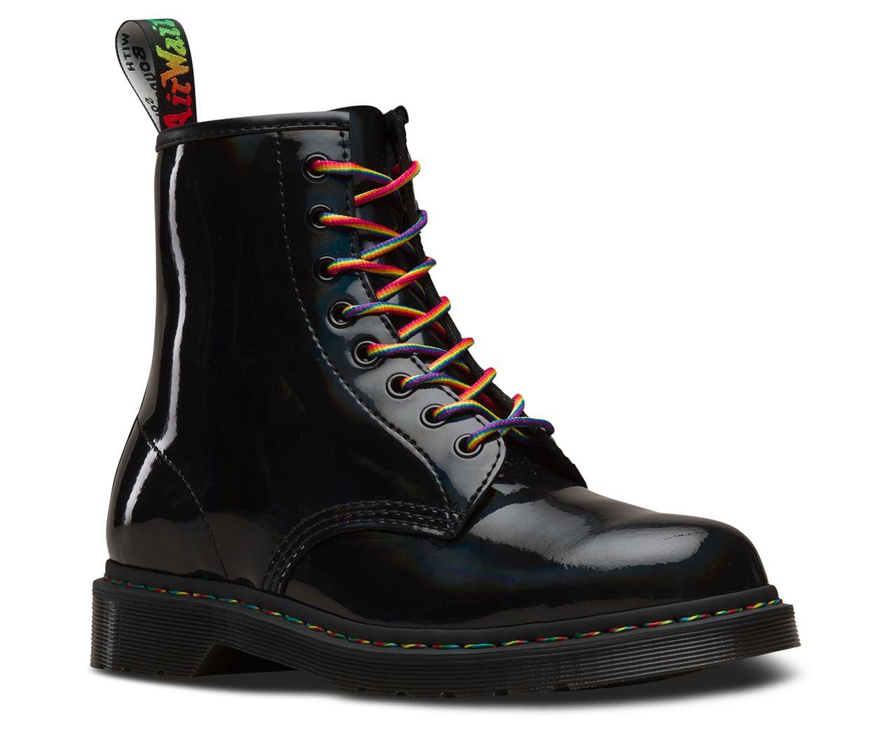 DR MARTENS Boots '1460 W' in Lackoptik in Grau Schwarz