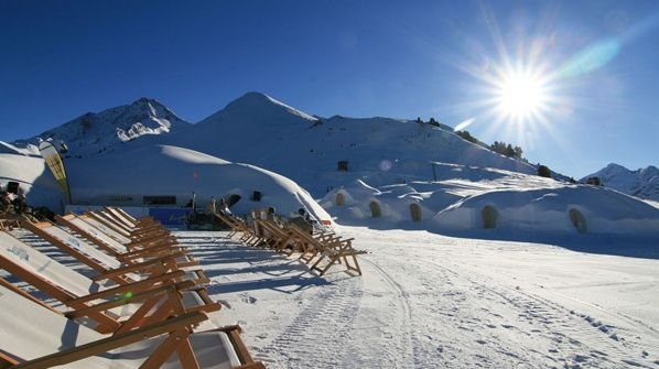 sunbathing post skiing. vin chaud mandatory.