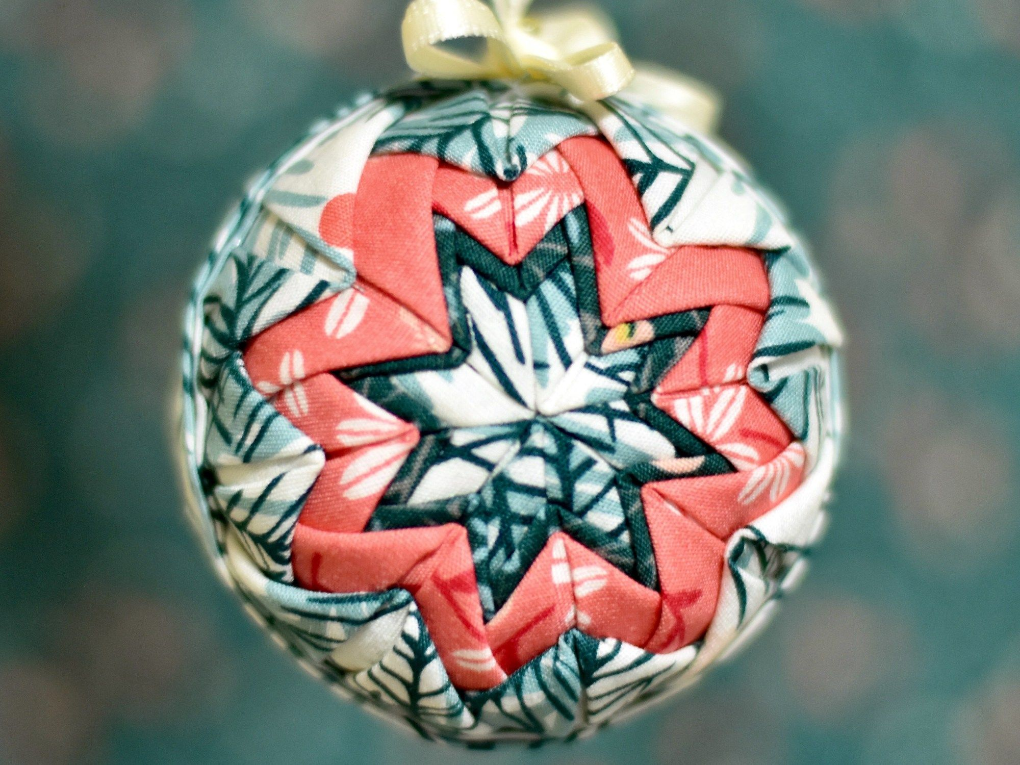 Quilted Ball Ornament - Ornament Along #4 | Quilted christmas ornaments, Ornaments, Ball ornaments