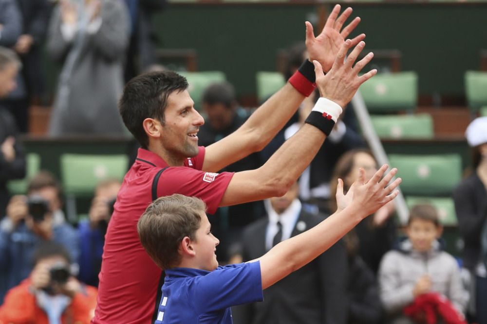 Novak Djokovic Has An Adorable Moment With A Ball Boy At The French Open French Open Boys Roberto Bautista Agut