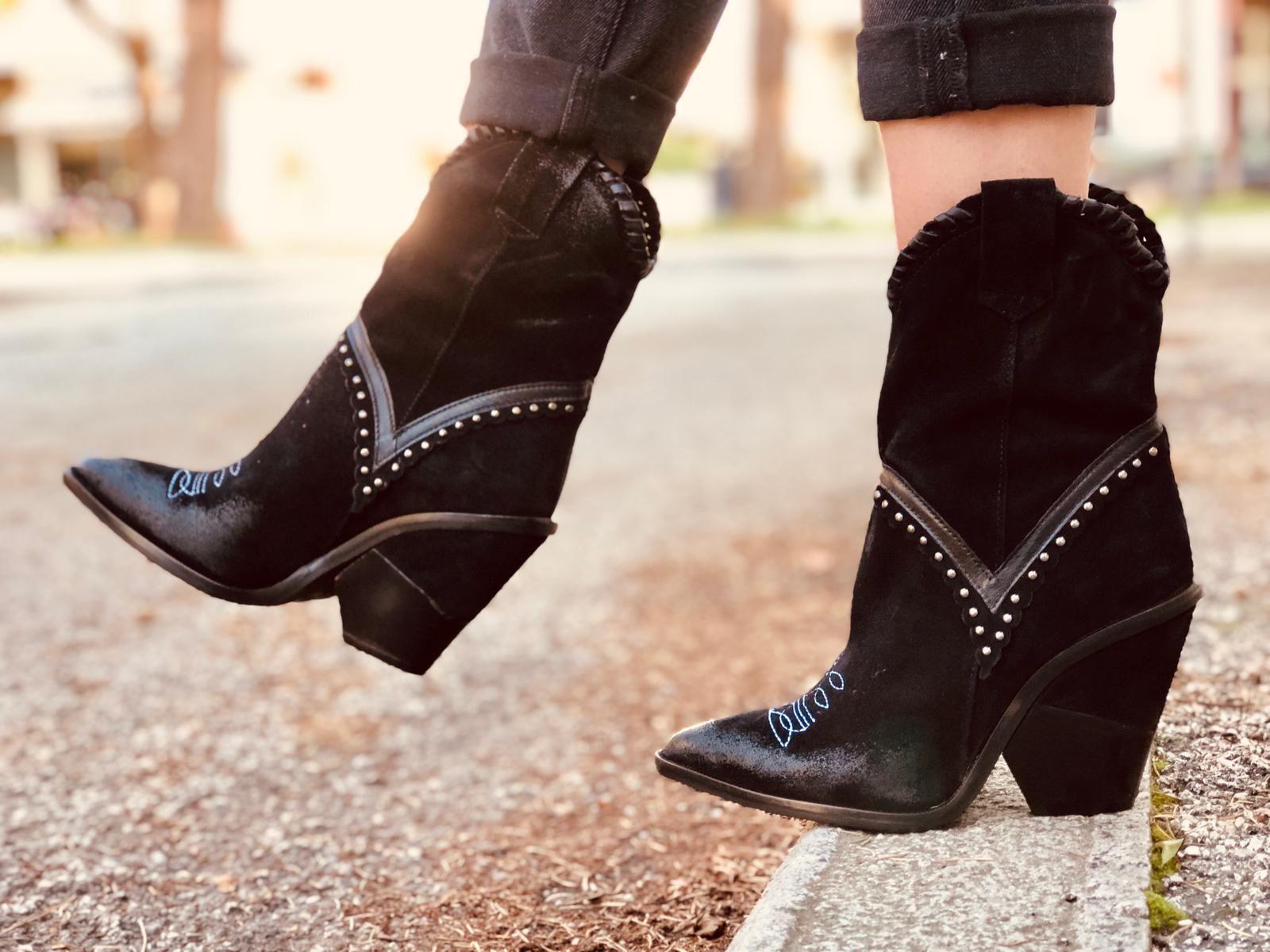donna più stivali neri pelle camoscio