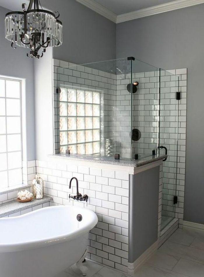 petite salle de bain avec douche italienne angulaire en briques grises avec lustre en mtal et - Salle De Bain Italienne Photos