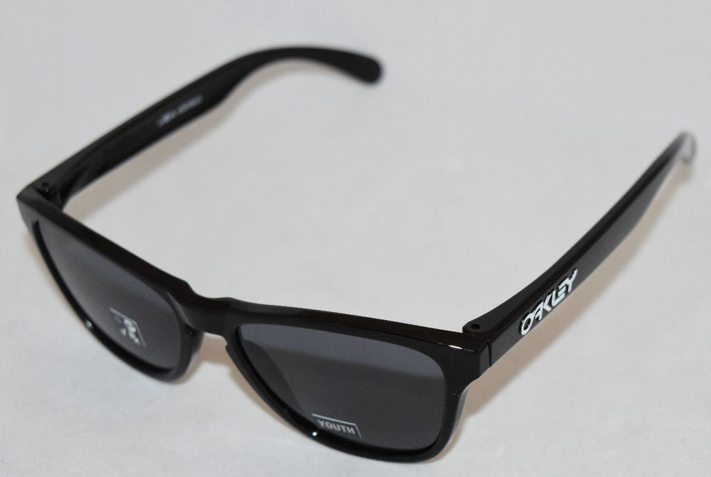 b82ecd3b83 NEW OAKLEY FROGSKINS XS OJ9006-0153 YOUTH FIT POLISHED BLACK W  GREY LENS  (eBay Link)