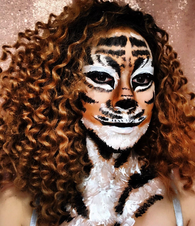 Instagram makeuppbytorr Halloween face makeup, Face