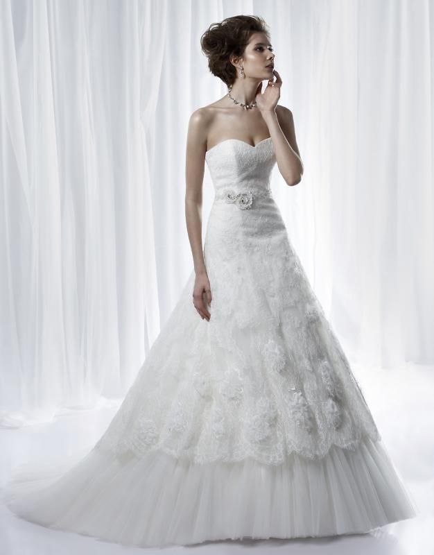 Jocelyn L. - A-line Sweetheart Court Train Chiffon Wedding Dress