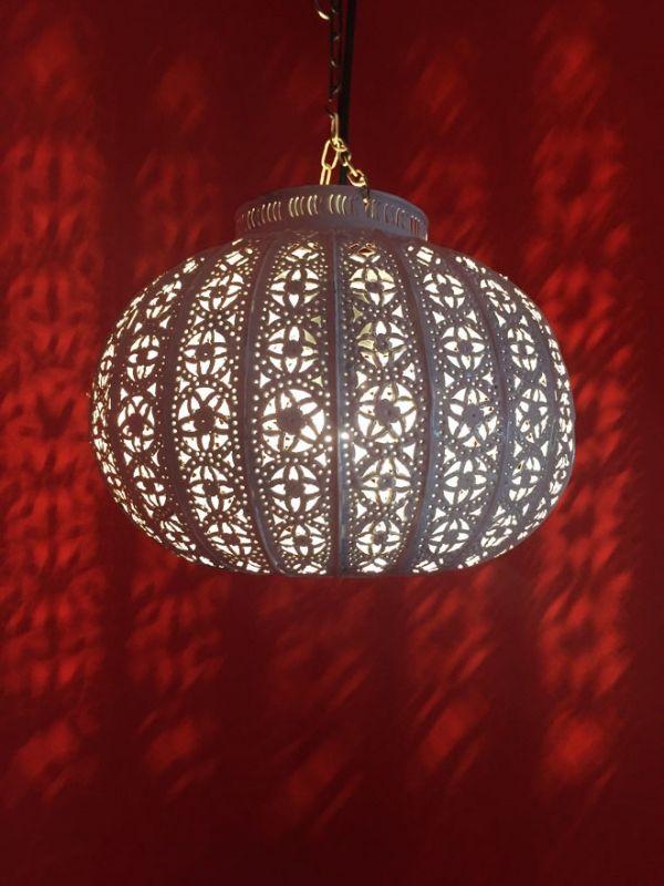 marokkanische shabby chic deckenlampe candan weiss aus metall glas deckenlampen. Black Bedroom Furniture Sets. Home Design Ideas