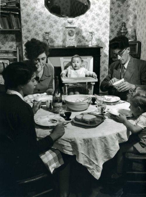 jean philippe charbonnier repas familial d 39 un professeur en 1950 manger pinterest repas. Black Bedroom Furniture Sets. Home Design Ideas
