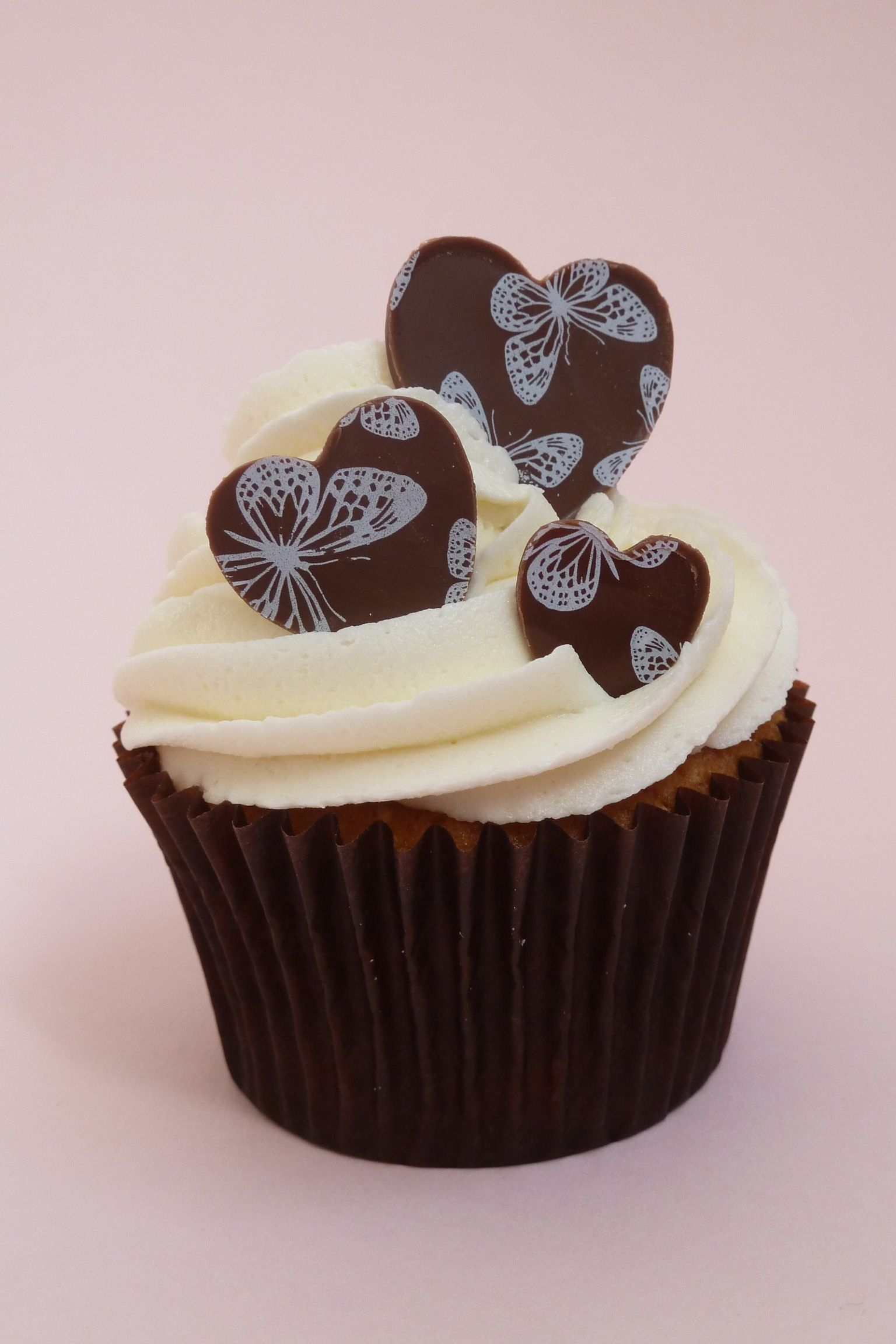 Hayley Of Adelie S Cakes Is Celebrating Valentine S Day By Combining