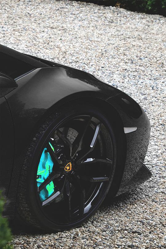 Lamborghini wheel
