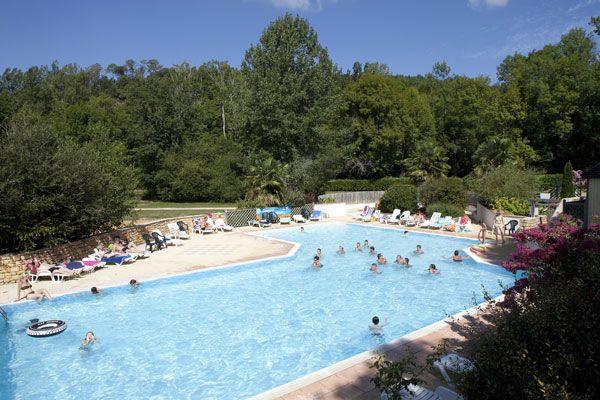 Au cœur d\u0027un domaine de 13ha, le camping 5* Aqua Viva vous fera - camping dordogne etoiles avec piscine