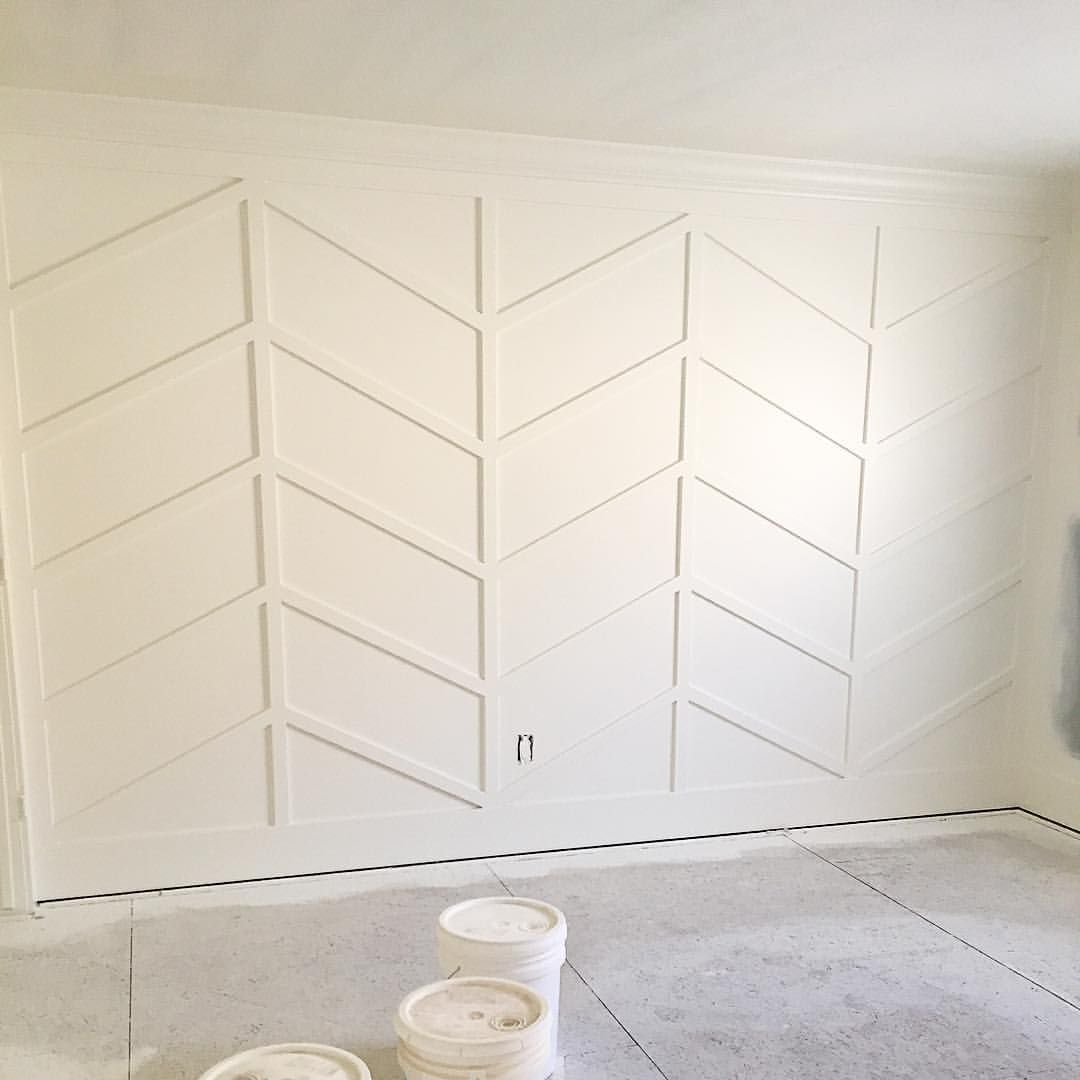 Herringbone Accent Wall: Herringbone Wainscoting- What?!? Love!