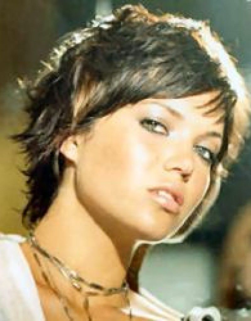 15-Mandy-Moore-short-hair-sassy-styles-short-casual-wet-look ... 3a6abac73