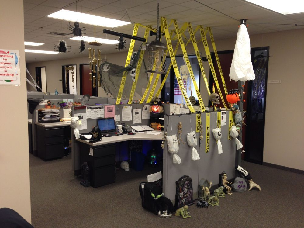 Fun And Spooky Halloween Office Decor Ideas Halloween Office Office Halloween Decorations Cubicle Decor Office