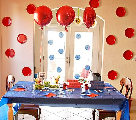 11 Easy and Affordable Paper Plate Birthday Party Backdrops Circle