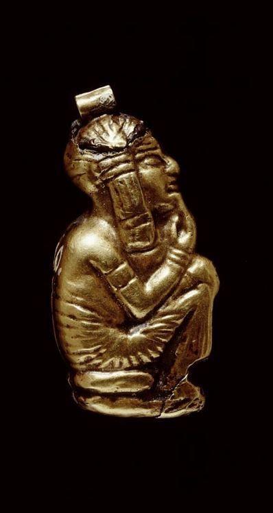 Egyptian gold amulet