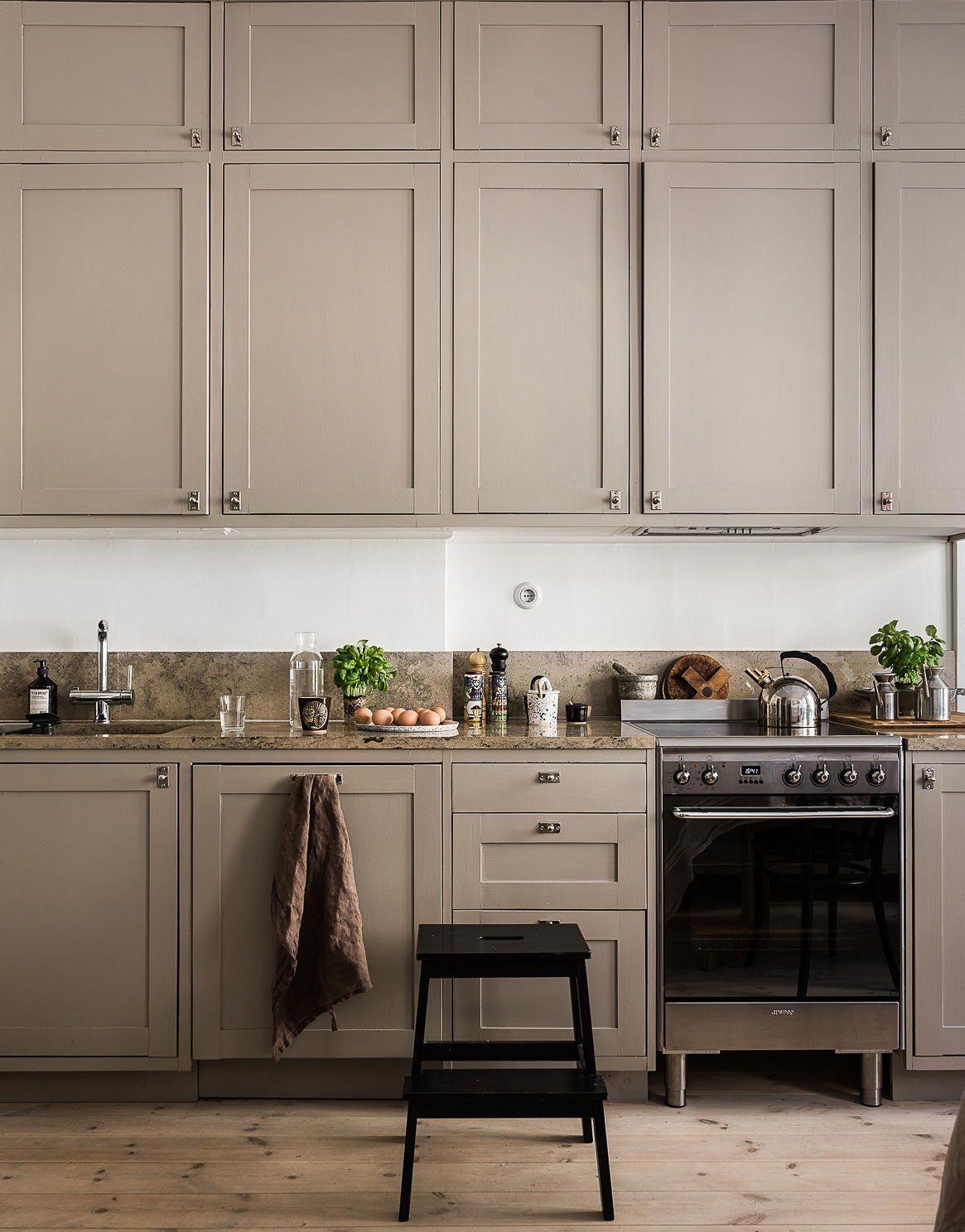 Biege Kitchen Via Coco Lapine Design Blog Tuscandesign Beige Kitchen Kitchen Interior Kitchen Design