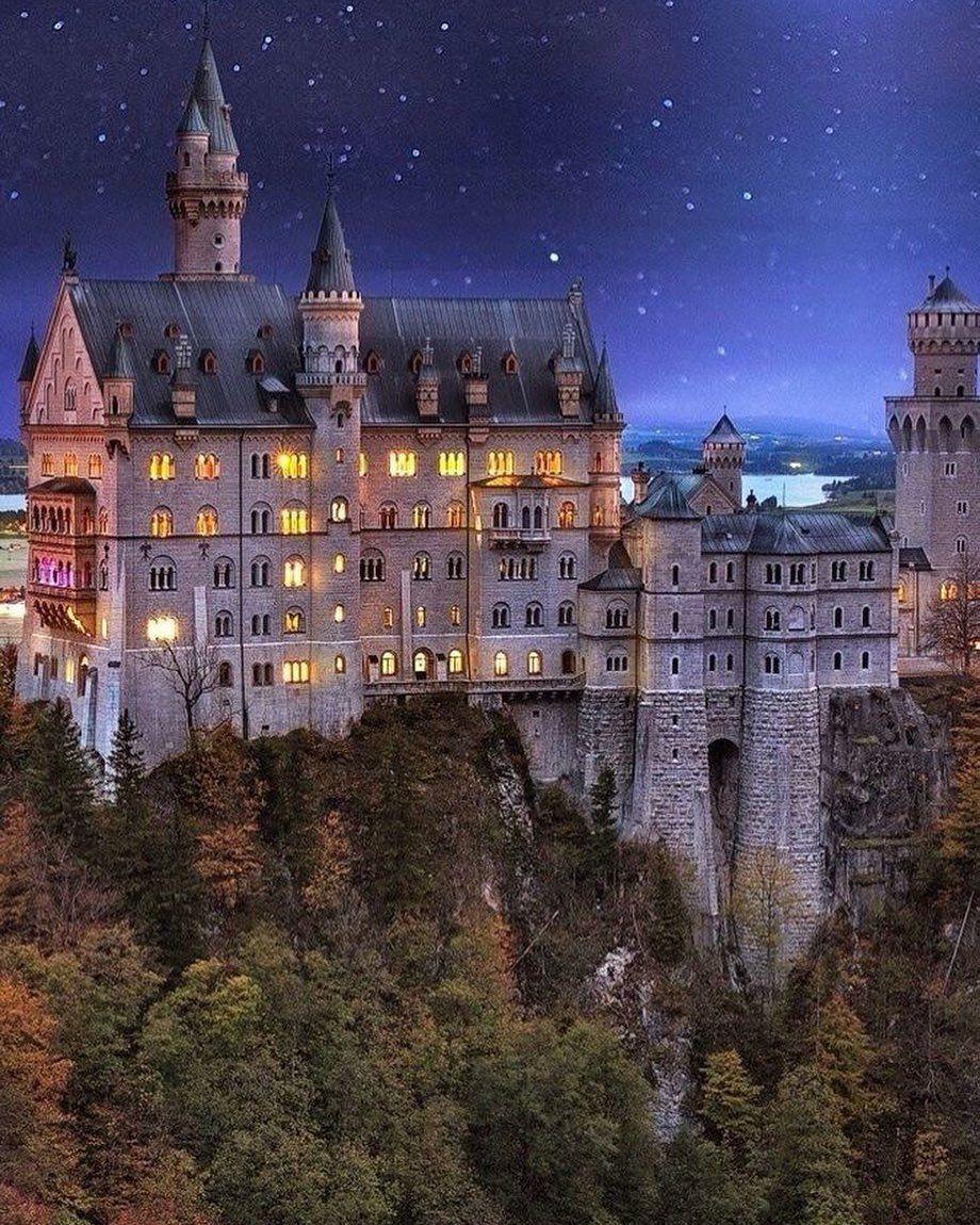 Schloss Neuschwanstein On Instagram Magic Mood Neuschwanstein Schlossneuschwanstein Neuschwanstei Neuschwanstein Castle Germany Castles Castle Bavaria