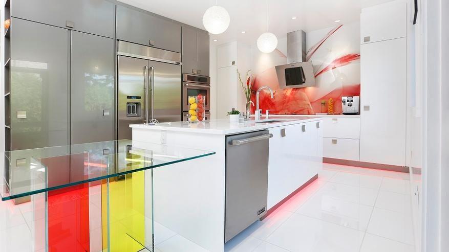 Armoires de cuisine Moderne Montréal Pop of color Modern Kitchen