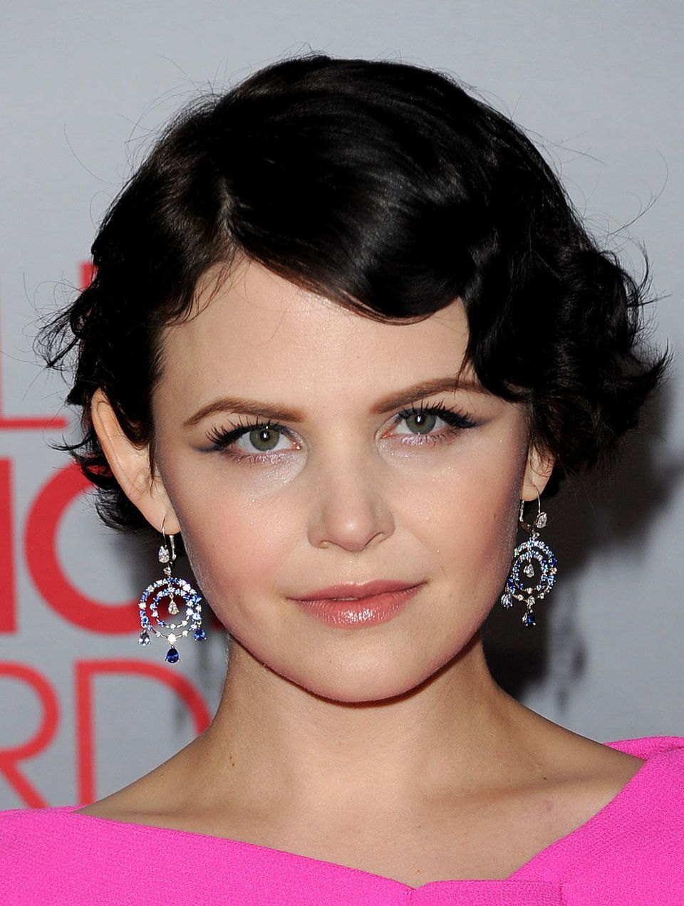 Ginnifer Goodwin S Hair Story The Long Short Of It Huffpost Life With Images Short Hair Styles For Round Faces Wavy Bob Hairstyles Short Hair Styles