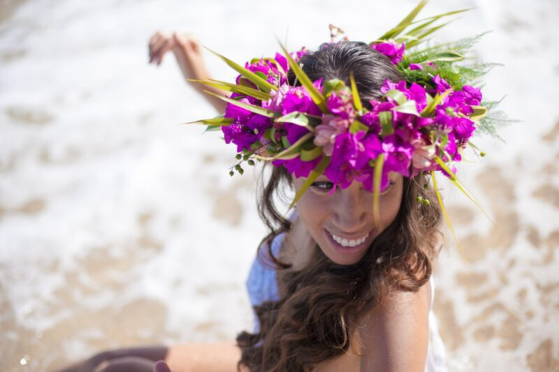 Haku lei Hawaii flower crown Flower crown, Floral, Flowers