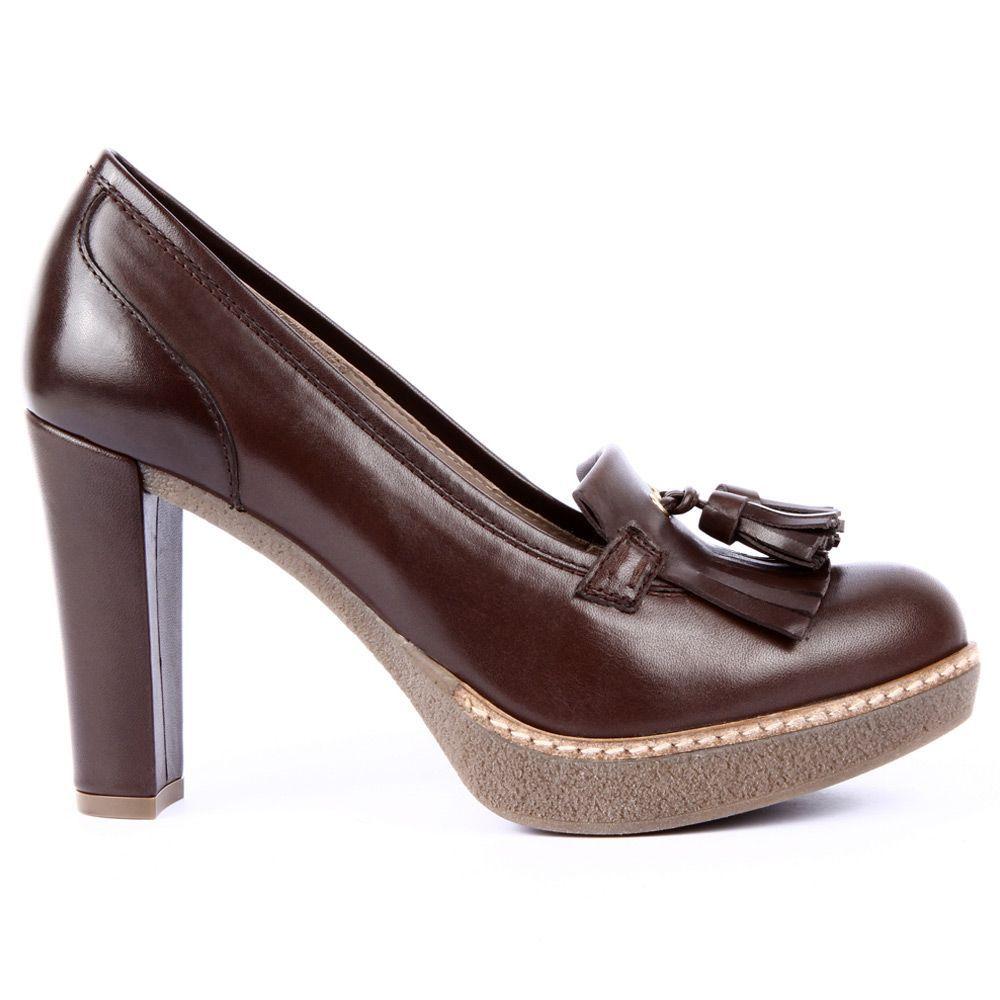 16f485a9212 Tienda online de Zapatos y Bolsos UNISA. Comprar zapatos para mujer y niña.  Amplio catálogo con envío y devolución gratis ¡Visita la nueva colección  UNISA!
