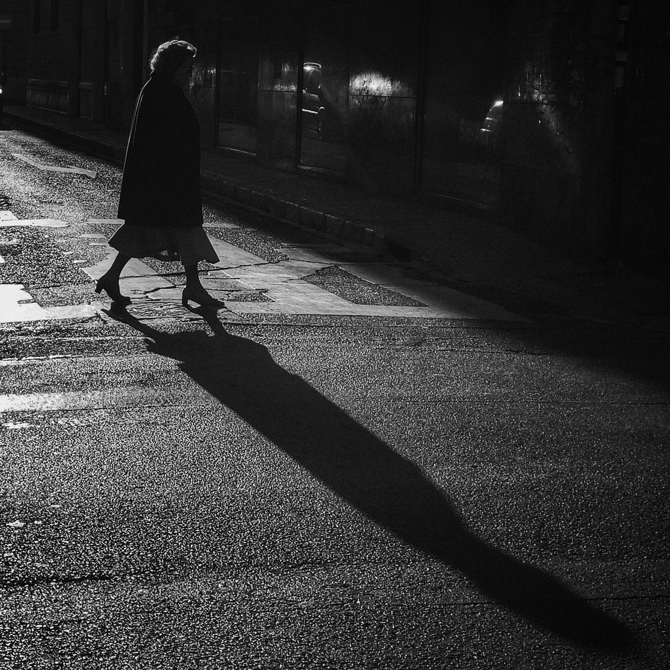 Paseando mi sombra