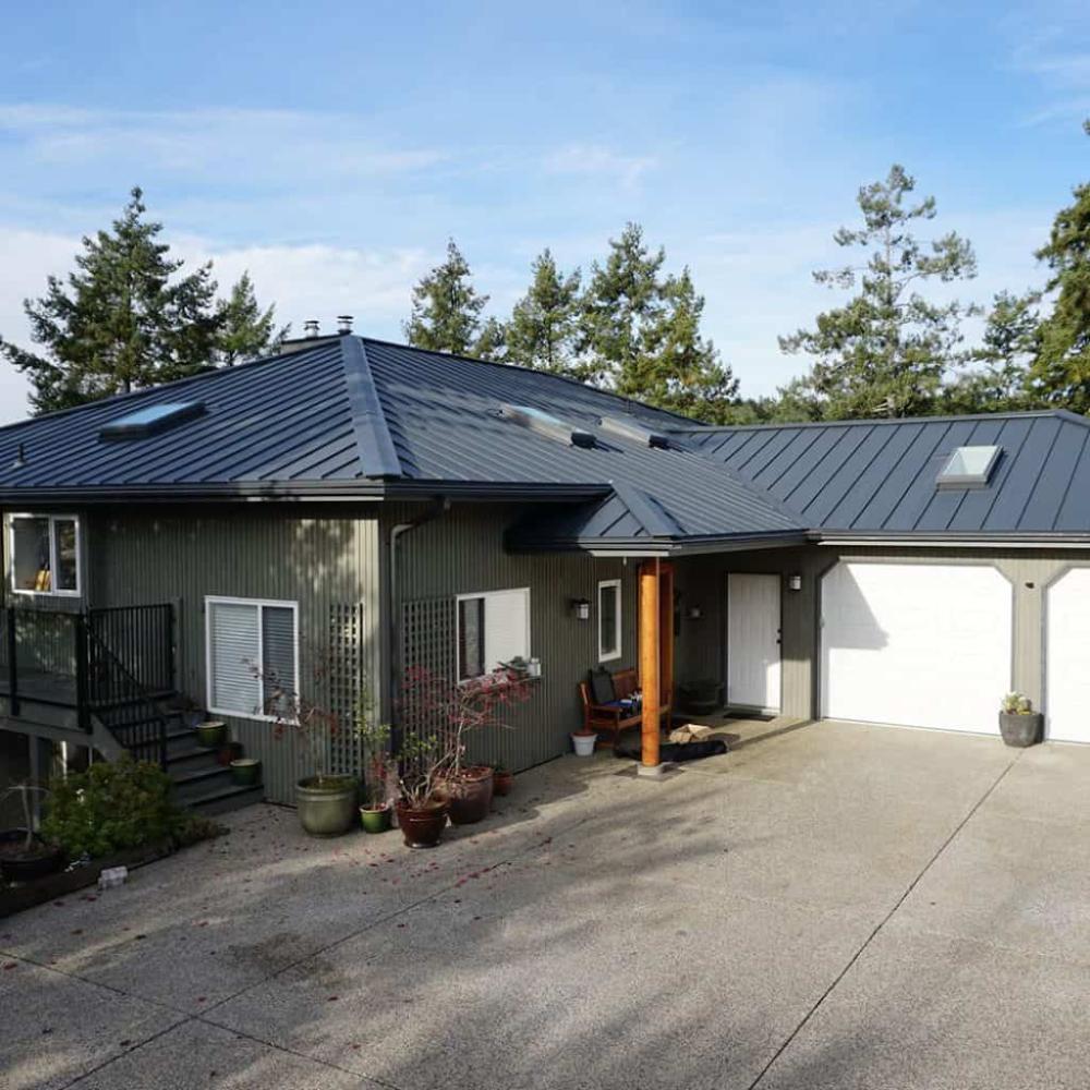 Standing Seam Interlock Metal Roofing In 2020 Metal Roof Standing Seam Metal Roof Standing Seam