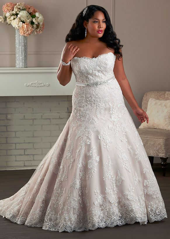 9 top shopping tips for the plus size bride bonny bridal for Lace top plus size wedding dress