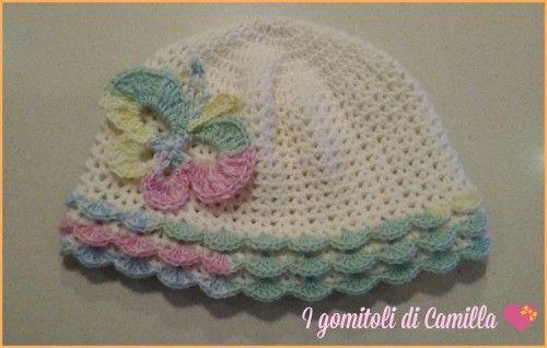 Tutorial cappellino a balze per bimba con farfalla applicata. Clicca sula foto per le spiegazioni passo passo e lo schema