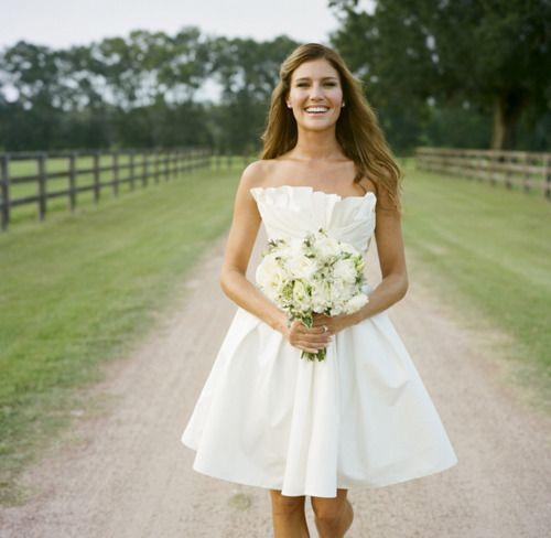 short wedding dress | tumblr | weddings | novios y corte laser