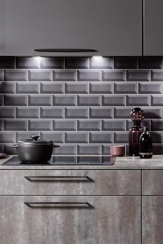 Küchenspiegel mit dunklen Metrofliesen - Bild 14 in 2019 ...