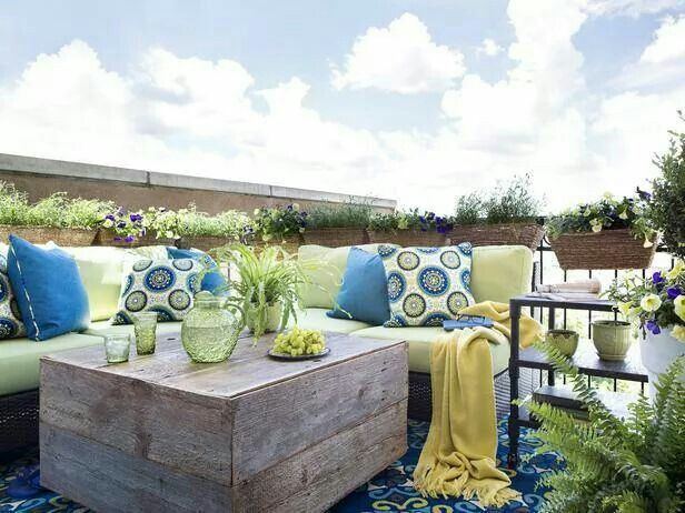 http://www.hgtv.com/landscaping/small-space-gardening-tips-for-apartment-dwellers-and-urbanites/pictures/index.html?soc=hgtvcom26760166