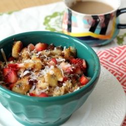 This vegan & gluten-free Strawberry Banana Breakfast Quinoa will fill you up with zero guilt.