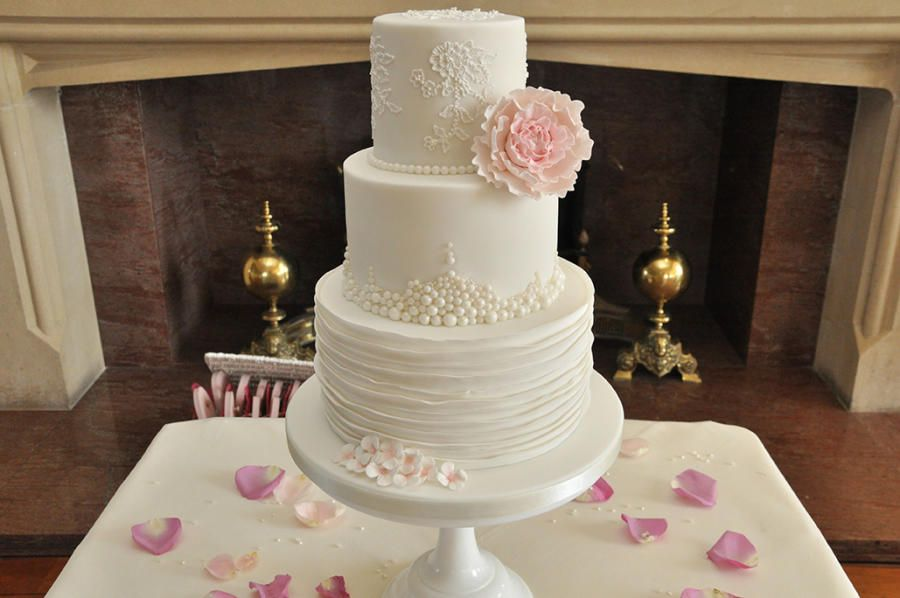 Delicate Wedding Cake - Cake by Sue Field