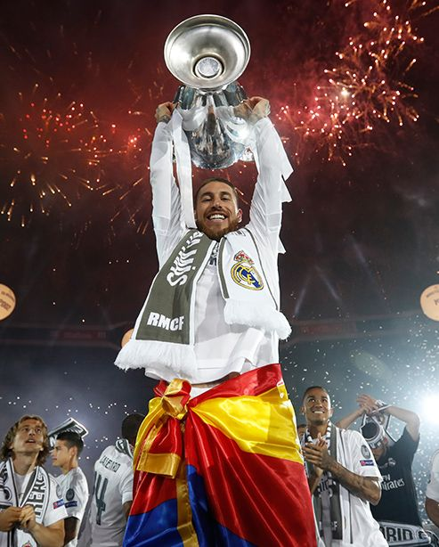 Reyesdeeuropa La Historia De Las 10 Copas De Europa Del Real Madrid Gol De Ramos Real Madrid Fútbol Fotos Real Madrid