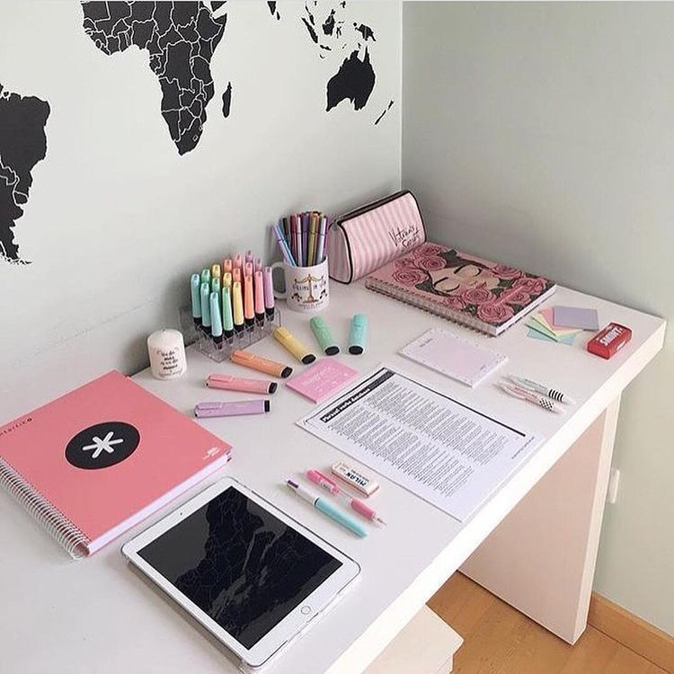 Pin by 𝐜𝐚𝐢𝐭 on home sweet home | Bedroom desk organization ...