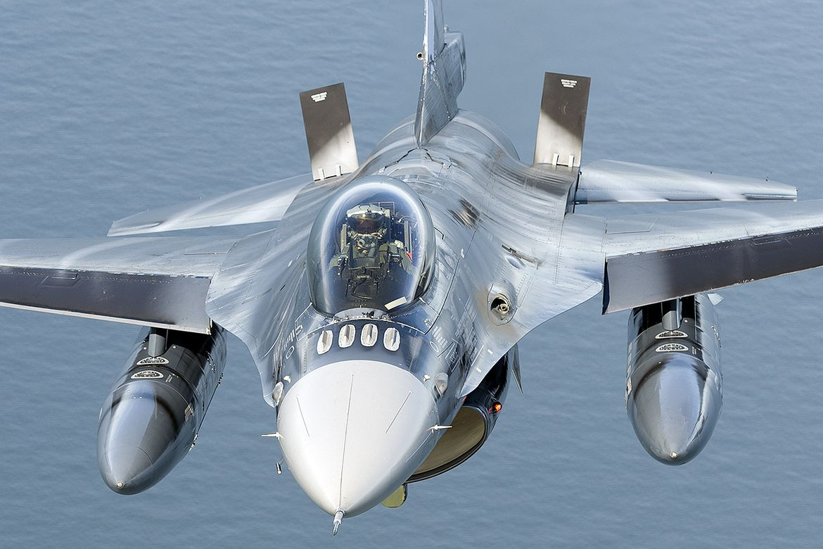 F16, Airbrake engaged Fighter jets, Fighter aircraft