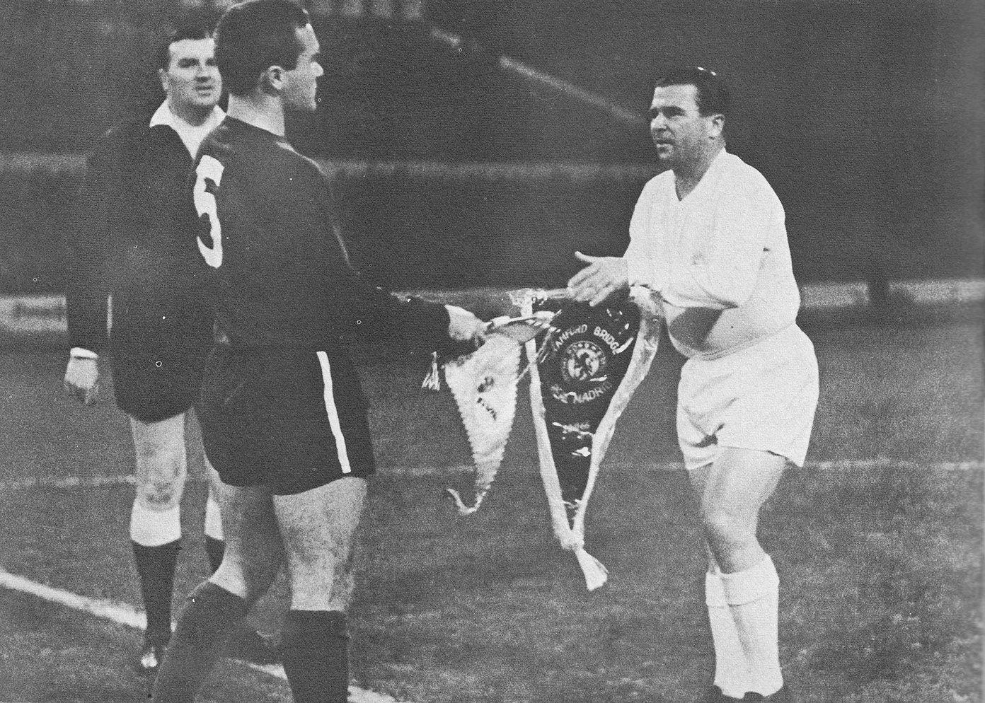 22nd November 1966. Hungarian legend Ferenc Puskas makes his final ...