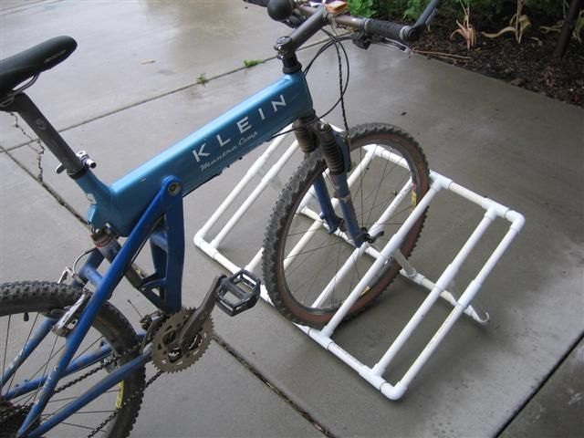 Fat Bike Stands Truck Bed