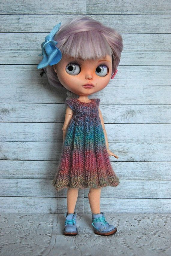 This listing is for a very simple and somewhat rustic hand knit dress for your Blythe doll. This sweet dress has been knit with a lovely varigated